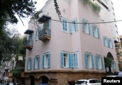 За повідомленнями, цим будинком у Бейруті володіє Карлос Госн