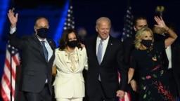 جو بایدن و کامالا هریس به همراه خانوادههایشان در جشن پیروزی - ولمینگتون ایالت دلاور