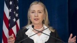 Hillary Clinton instó a la comunidad internacional a seguir en la defensa de los derechos fundamentales de todas las personas.