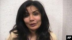 Bà Samdra Avo;a Beltran, mệnh danh là Nữ hoàng Thái bình dương bị bắt bên ngoài một nhà hàng ở Mexico City