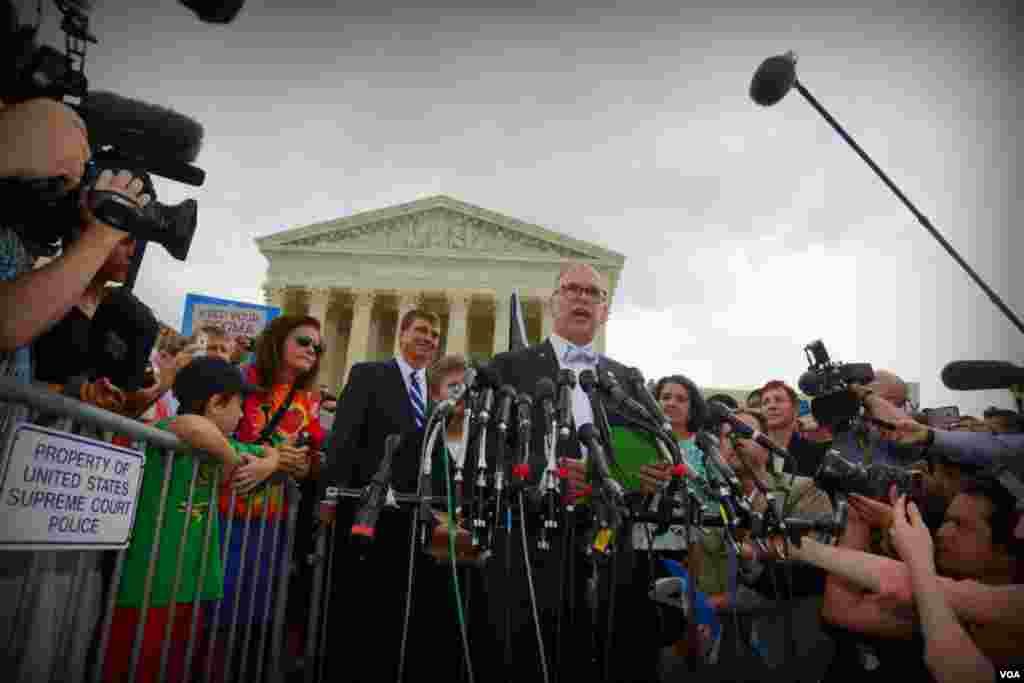 Вопрос решен – Верховный суд США разрешил однополые браки по всей стране