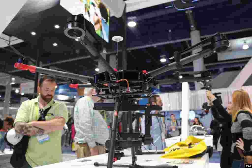 نمایشگاه محصولات الکترونیکی- پهپاد ماتریس ۶۰۰، پهپاد منحصر به فردی که برای عکسبرداری هوایی حرفه ای و دیگر کاربردهای صنعتی مورد استفاده قرار می گیرد