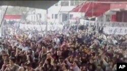 廣東省烏坎村村民由於土地糾紛引發群體抗爭