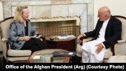 دیدار آلیس ولز نماینده ویژه دولت آمریکا با اشرف غنی رئیس جمهوری افغانستان - آرشیو