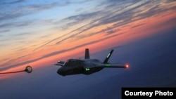 美國海軍陸戰隊一架F-35B戰機得到空中加油(美國海軍陸戰隊照片2016年5月19日)