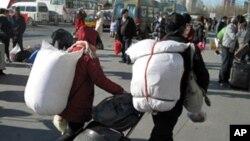 中国农民返乡过年