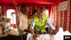 Բահրեյնի բժիշկները օգնություն են ցուցաբերում վնասվածքներ ստացած ցուցարարին (արխիվային լուսանկար)