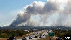 Cháy rừng liên tục xảy ra ở Hoa Kỳ.