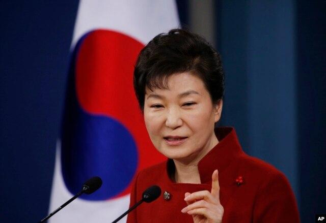 Tổng thống Hàn Quốc Park Geun-hye lên án Bắc Hàn tiến hành vụ thử hạt nhân lần thứ tư. Bà cũng bênh vực cho sự phản ứng hạn chế của Seoul.