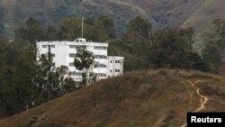 زندان رامو ورده در حومه کاراکاس که لئوپولدو لوپز، رهبر مخالفان دولت ونزوئلا در آنجا زندانی است.