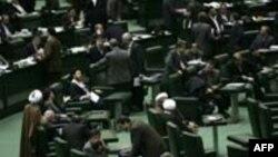 نماینده مجلس ایران خواستارارائه شواهد وجود گورهای دسته جمعی شد