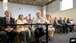 Majke Srebrenice očekuju presudu okružnog suda u Hagu, 16. jula 2014.