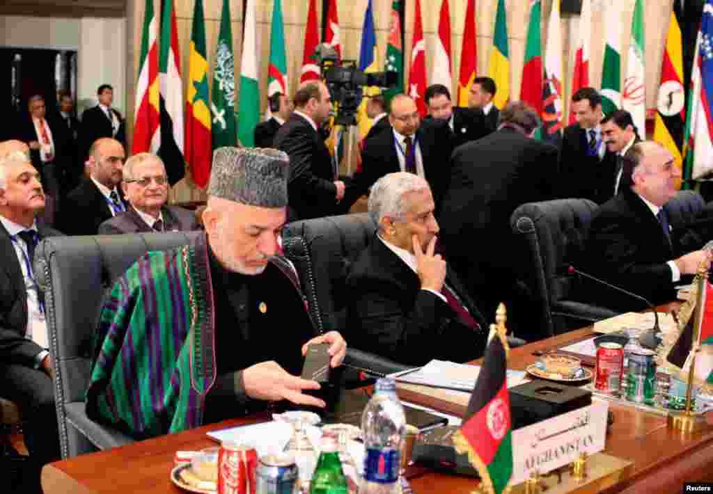 이슬람협력기구 정상회의(OIC)에 참석한 하미드 카르자이 아프간 대통령.