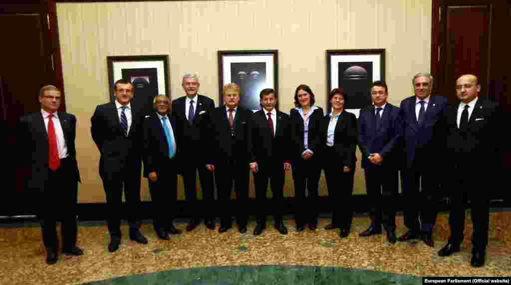 Avrupa Parlamentosu Dış İlişkiler Komitesi üyeleri Başbakan Ahmet Davutoğlu'yla