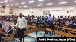 Vue des participants à la rencontre de sensibilisation des acteurs de la société civile pour la lutte contre l'apatridie, N'Djamena le 15 août 2019. (VOA Afrique/André Kodmadjingar)