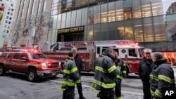 纽约市消防人员赶赴川普大厦灭火