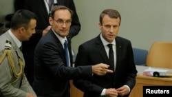 Perezida w'Ubufaransa Emmanuel Macron, iburyo, ashitse mu nama ku bibera muri Libiya mu nama ya ONU i New York, itariki 20/09/2017.