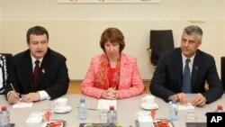 Premijer Srbije i Kosova, ivica Dačić i Hašim Tači, sa visokom predstavnicom EU Ketrin Ešton