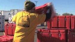 Красный Крест кормит пострадавших от урагана