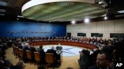 در نشست ناتو ضمن بحث روی موضوع تقویت بخشیدن سرحد ترکیه با سوریه، از کشور مونتنگرو خواسته شد تا شامل این سازمان شود