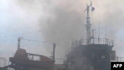 İndoneziyada sərnişin gəmisi yanıb