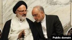 به گفته آقای صالحی، اصغر حجازی از دفتر رهبری به او گفته که مذاکره با آمریکا تا پس از انتخاب رئیس جمهوری جدید متوقف شود.