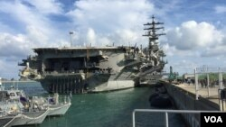 미 핵추진 항공모함 로널드 레이건호가 지난달 21일 부산항에 입항했다.