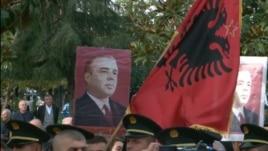 Çlirimi i Tiranës, rishfaqen fotot e Enverit