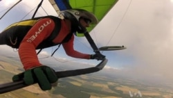 Hang Gliders Experience World From Bird's-Eye View