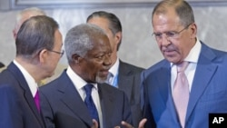 A June 30, 2012 photo shows Kofi Annan, Joint Special Envoy of the U.N. and the Arab League for Syria (C), U.N. Secretary-General Ban Ki-moon (L), and Russian FM Sergei Lavrov at the United Nations, Geneva, Switzerland.