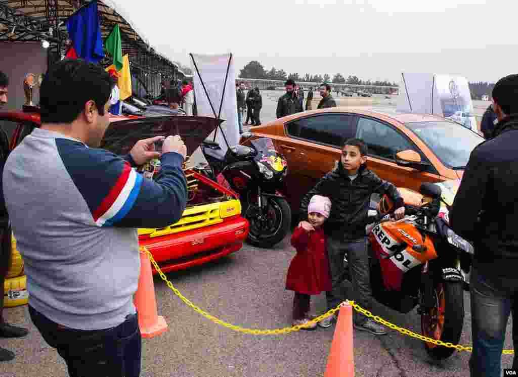 نمایشگاه اتوموبیل 8