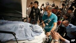 遇襲的劉進圖被送入醫院時候的情況