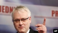 Ivo Josipović: 'Što se mene tiče, nema vojnih rješenja'