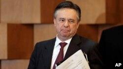 Eduardo Medina Mora presentó este lunes sus cartas credenciales que lo acreditan como Embajador de México ante Estados Unidos.