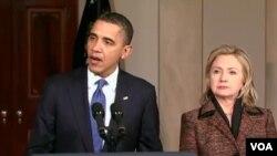 El presidente Barack Obama junto a la secretaria de Estado, Hillary Clinton, en la Casa Blanca.