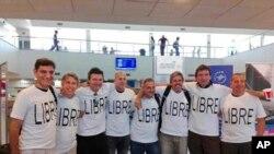 Hayatlarını kaybeden Arjantinli lise arkadaşlarından geriye New York'a gitmeden önce havaalanında çektirdikleri fotoğraf kaldı