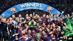 Les joueurs du Barça célébrant leur victoire en finale de Ligue des Champions contre la Juve, Stade Olympique de Berlin, 6 juin 2015.