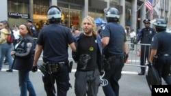 Аресты в Нью-Йорке, 17 сентября 2012 года