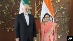 ایرانی وزیر خارجہ محمد جواد ظریف اپنی بھارتی ہم منصب سشما سوراج کے ساتھ نئی دہلی میں۔ 14 مئی 2019