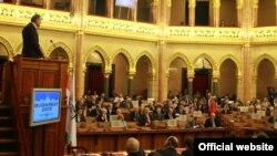 Predsjednik Skupštine Crne Gore Ranko Krivokapić obraća se Parlamentarnoj Skupštini NATO-a (skupština.me)