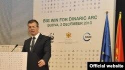 """Ministar održivog razvoja i turizma Branimir Gvozdenović govori na konferenciji """"Dinarski luk"""" (Biro)"""