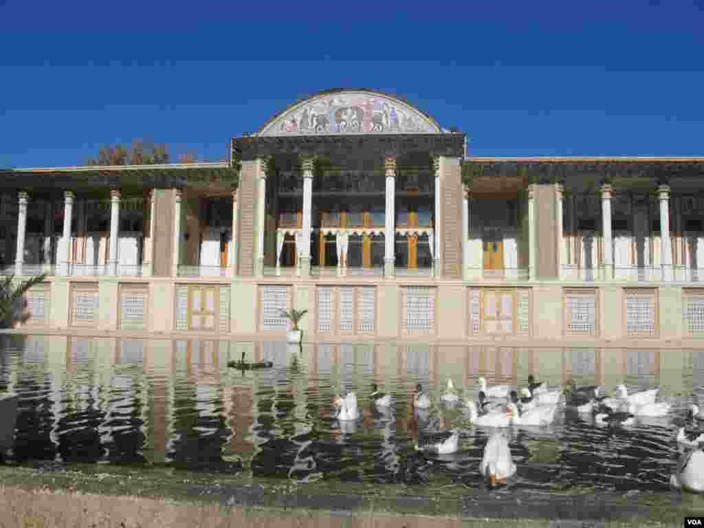 باغ عفیف آباد شیراز عکس: پریا (ارسالی شما)