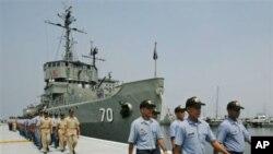 Filippin harbiy dengiz floti askarlari