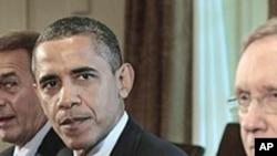 奥巴马向国债上限谈判发出警告。图为他7月7日与国会参、众两院领袖在一起