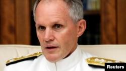 美国第七舰队司令菲利普·索耶中将(资料照)
