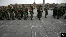 La policía reforzará los patrullajes conjuntos con los militares.