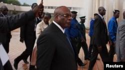 Ibrahim Boubacar Keita (tengah) tiba di Bamako, Mali untuk upacara pengambil sumpah sebagai Presiden baru (4/9).