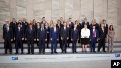 Министры обороны и постоянные представители НАТО. Брюссель, 7 июня 2018