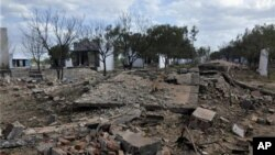5일 인도 남부 시바카시 마을의 폭죽 공장 폭발 사고 현장.