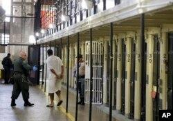 Otorita berwenang di New Jersey akan membebaskan seribu narapidana kelas teri (foto: ilustrasi).